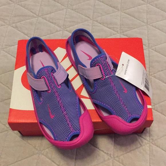 nike swim footwear